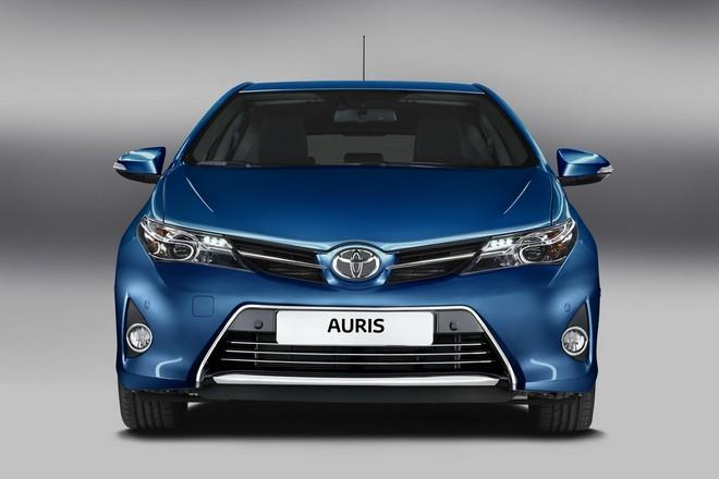 Новая Toyota Auris 2013 — экстерьер